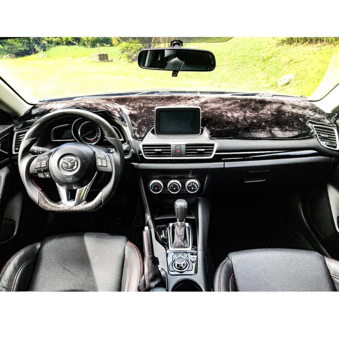 2016年 Mazda 3