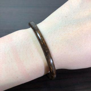 西藏雞血藤手鐲 咖色(加銀款) 5.5mm粗、14~15.5cm手圍。文玩 天然藤鐲 藥鐲