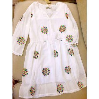 全新波希米亞🌞刺繡花朵雪紡小洋裝🥀