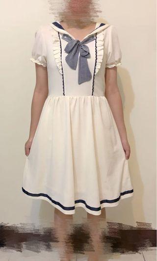 日系水手領藍白配色洋裝