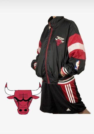 USA vintage 90s proplayer  Chicago bulls nylon jacket