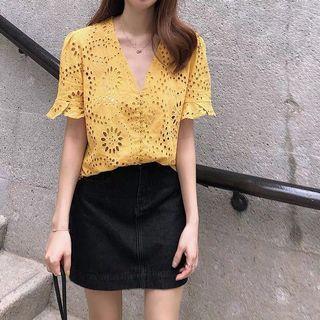 鏤空荷葉邊罩衫上衣 -黃