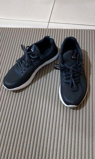 38號)Reebok 深藍女球鞋