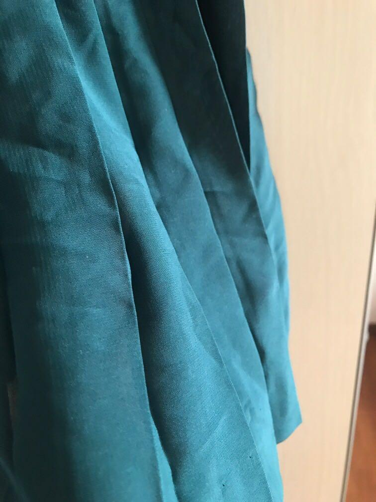 H&M Pleated Skirt (forest green) BNWT