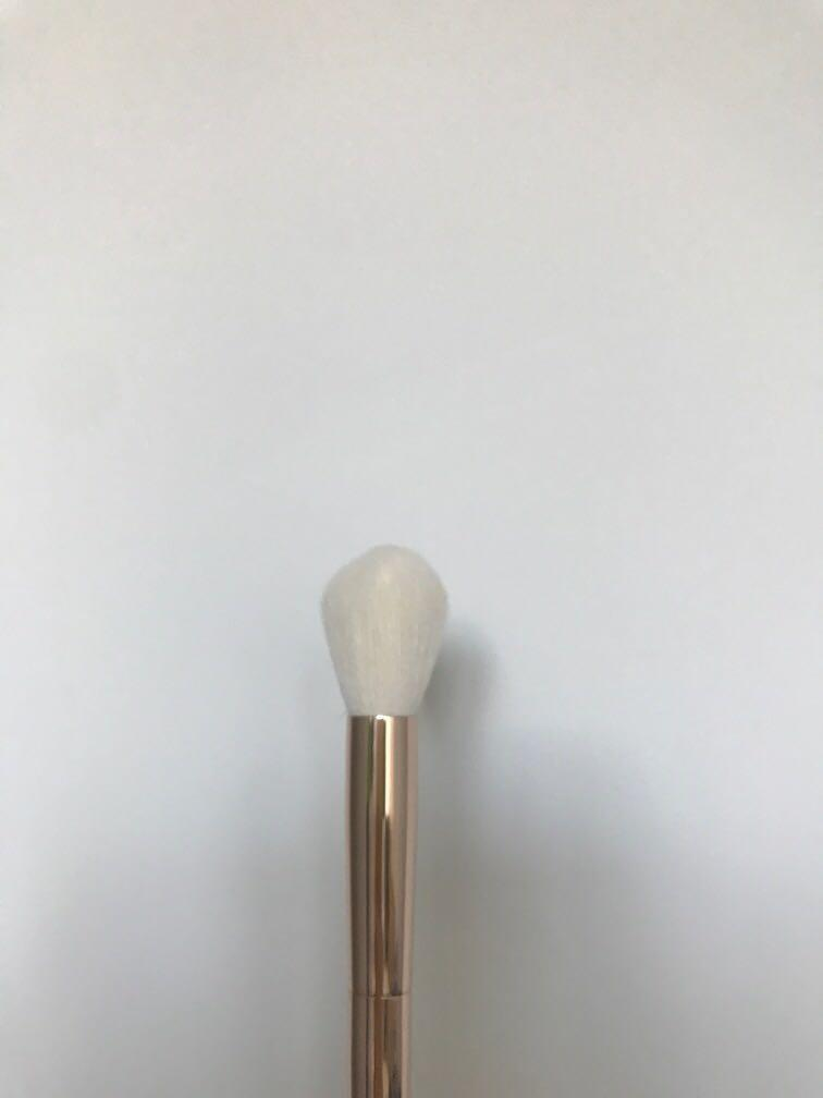 MECCA Rose Gold copper tapered contour highlight brush