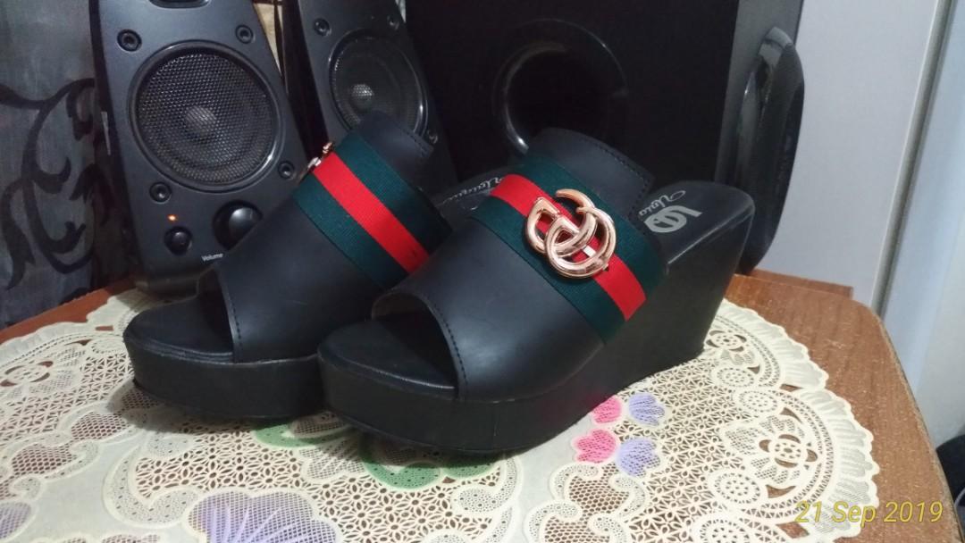 Sandal wedges wanita size kaki 36