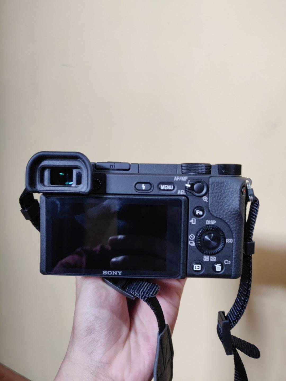 Sony A6400 + E 35mm F1.8
