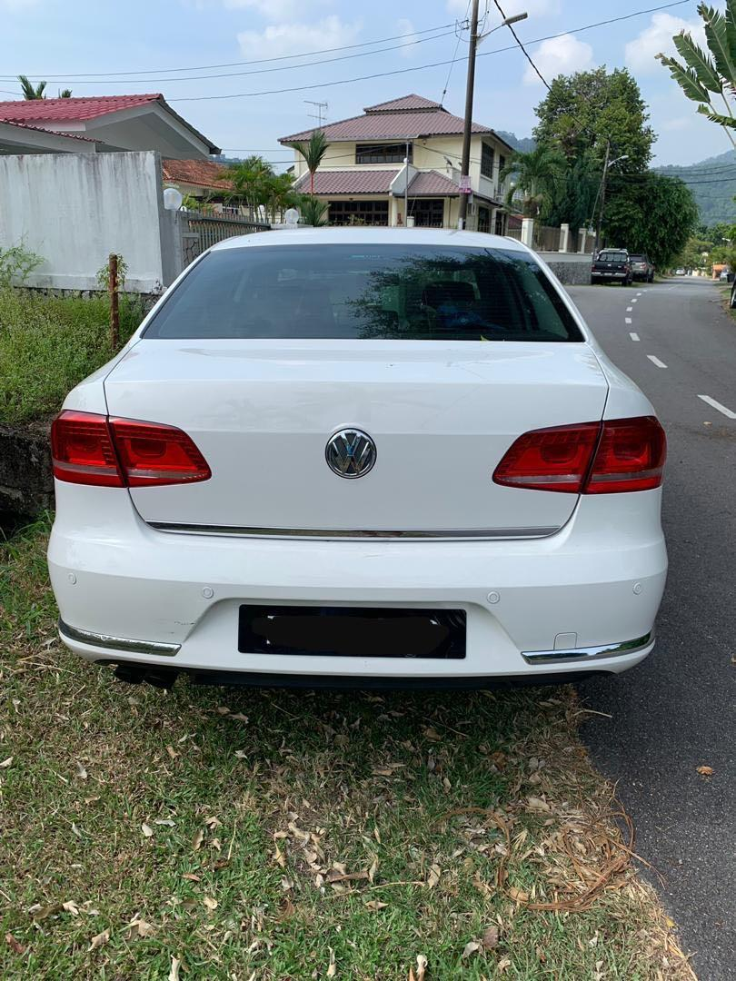Volkswagen Passat 1.8 Turbo For Rent