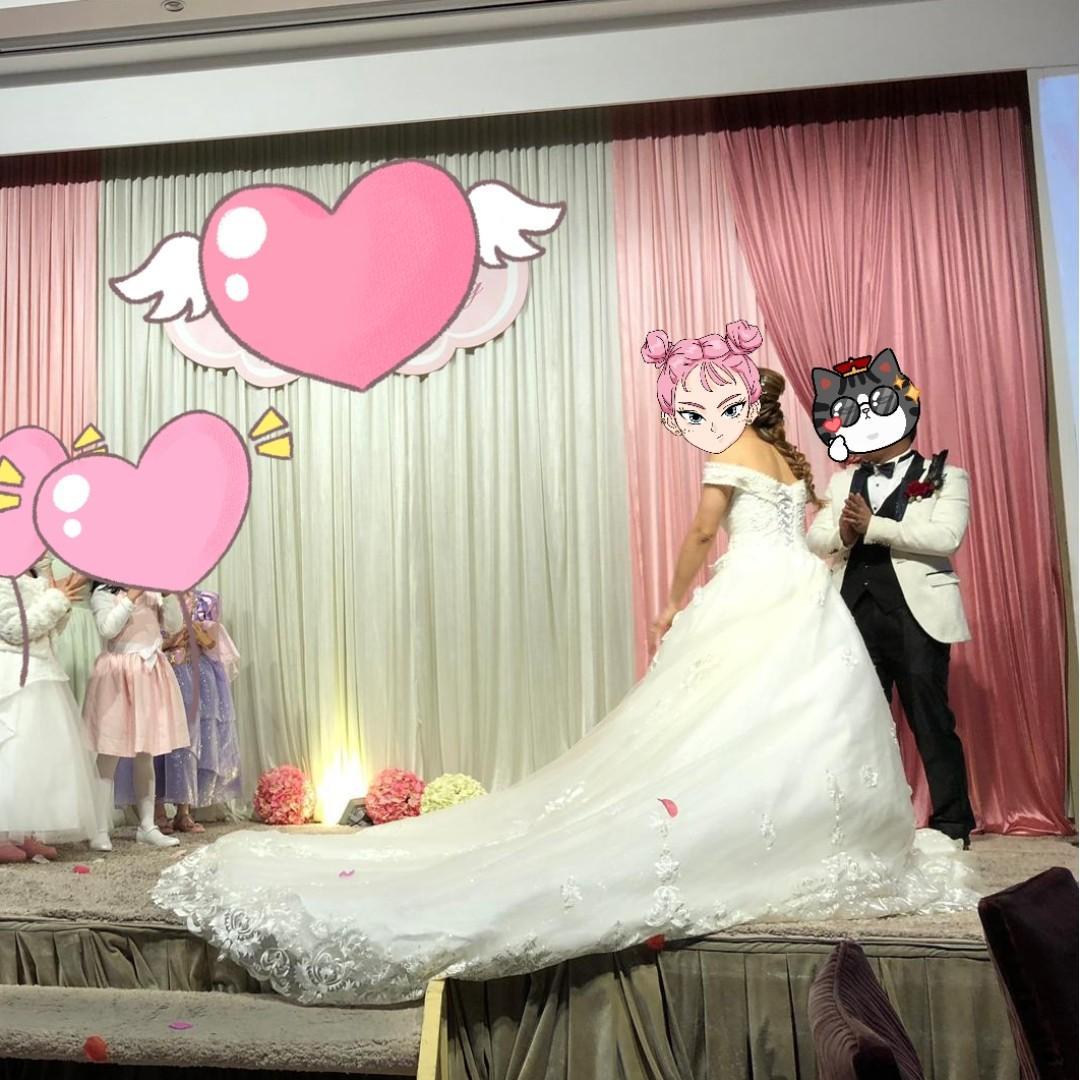 Wedding dress 💍結婚 長拖尾婚紗👰 度身訂做 進場穿左20分鐘 一字膊 , 超顯廋 , 背後綁帶  - Size M - L