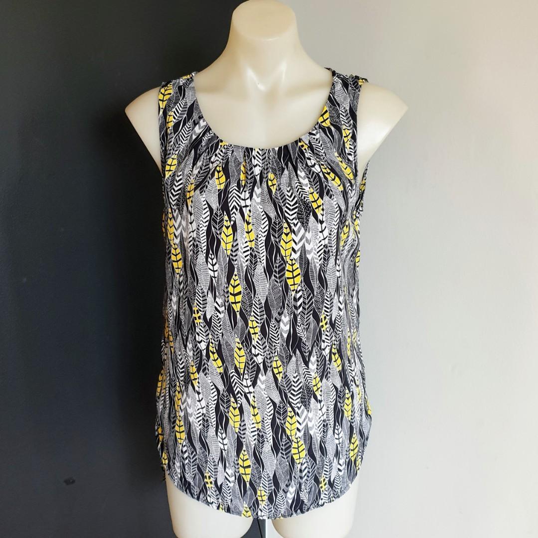 Women's size 8 'PETER MORRISSEY' Stunning print sleeveless top blouse - AS NEW