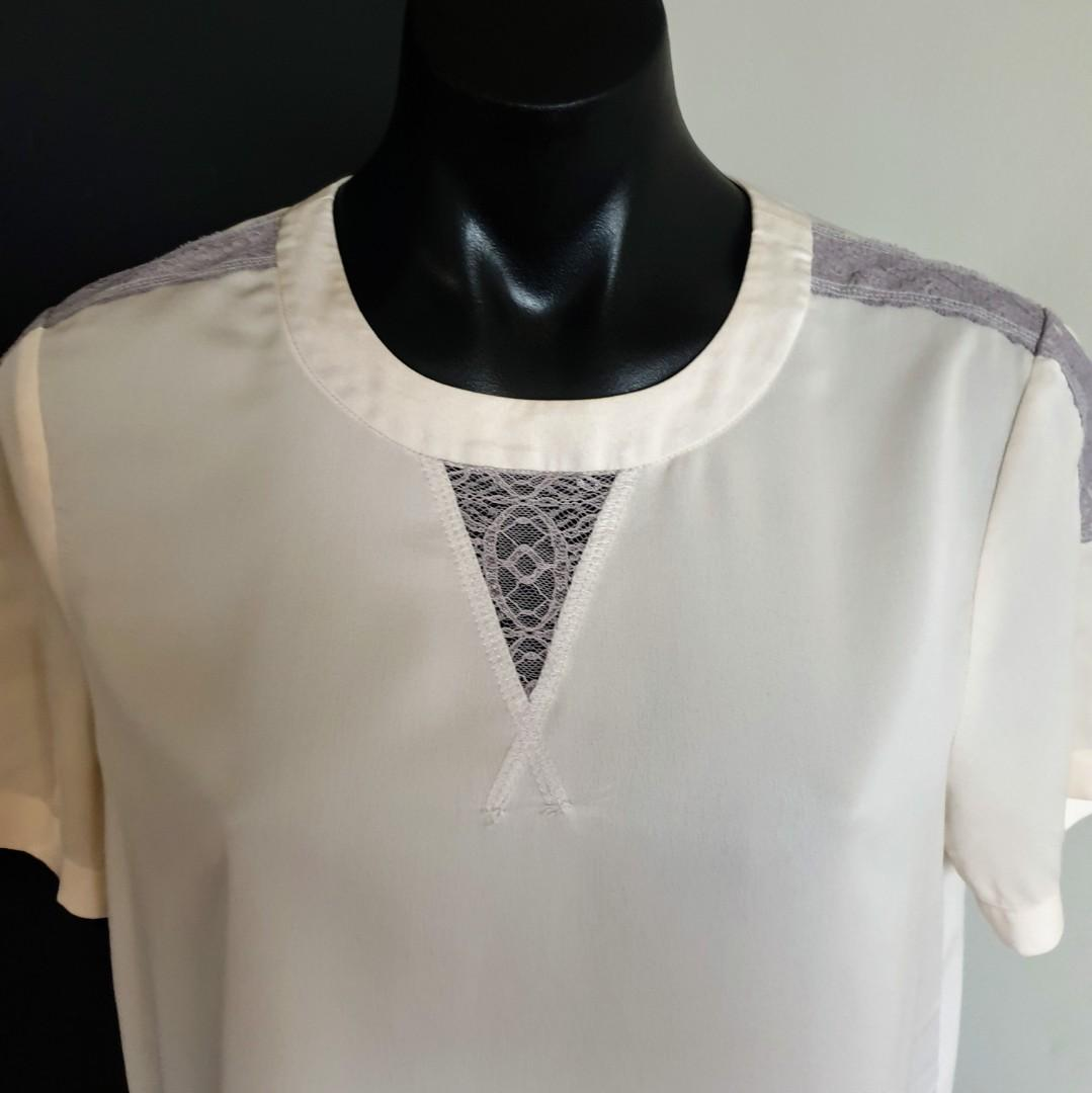 Women's size S 'J.CREW' Stunning ivory blouse with grey lace trim - AS NEW