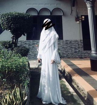 (RENT) DRESS BYNURAMIRAH SIZE M (SHAWL INCLUDED)