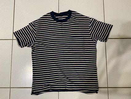 Uniqlo blue and blue striped T-shirt 藍白條紋短袖上衣