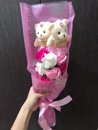 Flower with couple bear