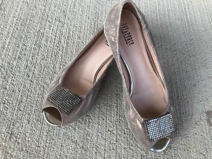 Womens Elegant Flats, Size 8