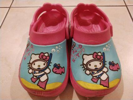 Hello Kitty Sandals Size8