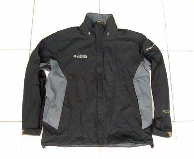 Jaket gunung outdoor mountain columbia titanium waterproof