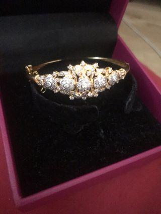 Diamond Bangle Urgt Sell