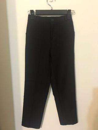 黑色合身西裝褲