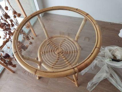 Table – Cane with glass surface (round) for sale !!!