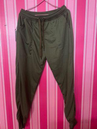 Celana Joger Green NEW WITH TAG!