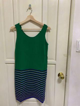 Moma 綠色修身型洋裝