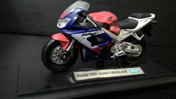 摩托車 Honda CBR FIREBLADE