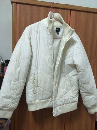 A&D白色厚外套