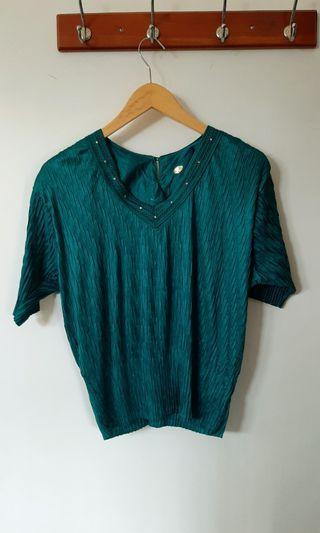 Green Top / plisket top / blouse vintage