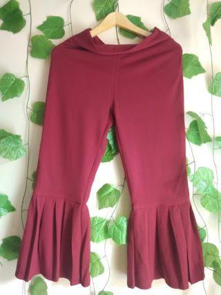 168 MARV maroon ruffle bottom pants