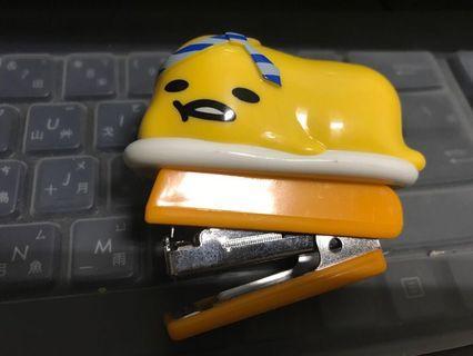 蛋黃哥釘書機