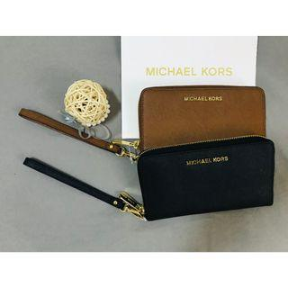 MICHAEL KORS MK 女款 真皮防刮 拉鍊式 手機包/手拿包(Luggage金)