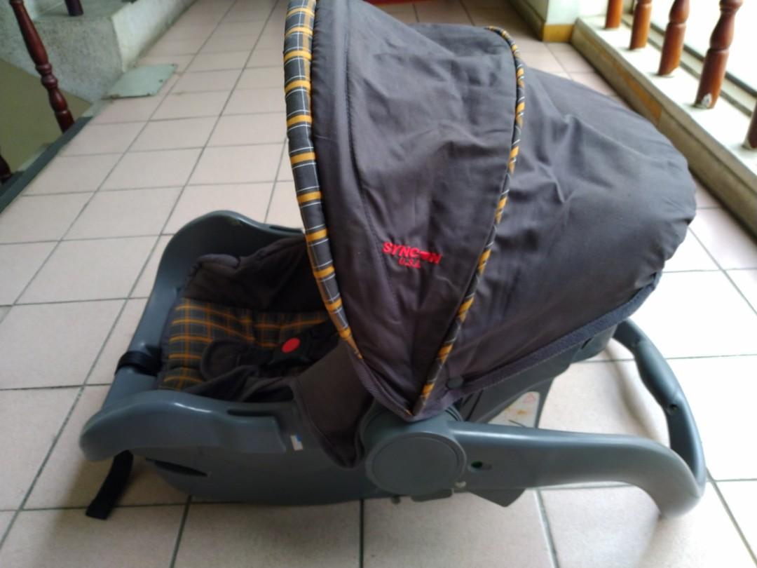提籃式安全座椅