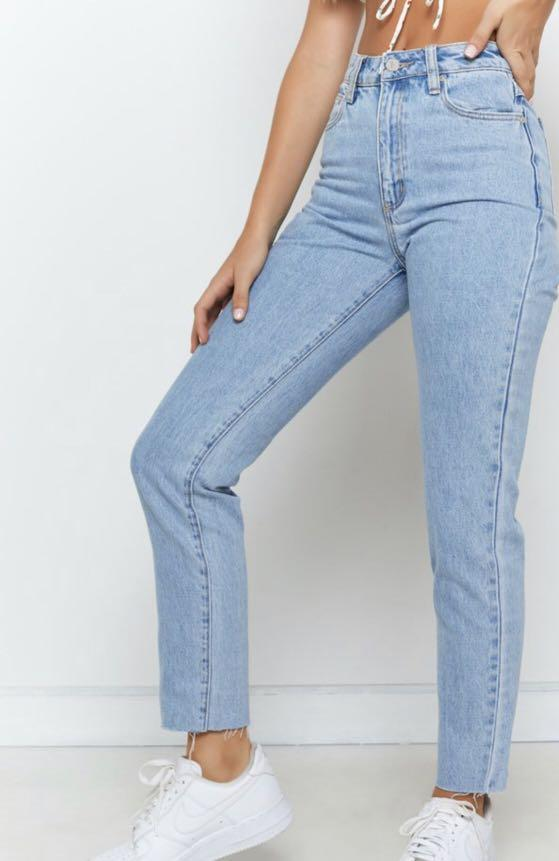 Abrand Jeans '94 High Slim Mum Jeans Walk Away size 9/27