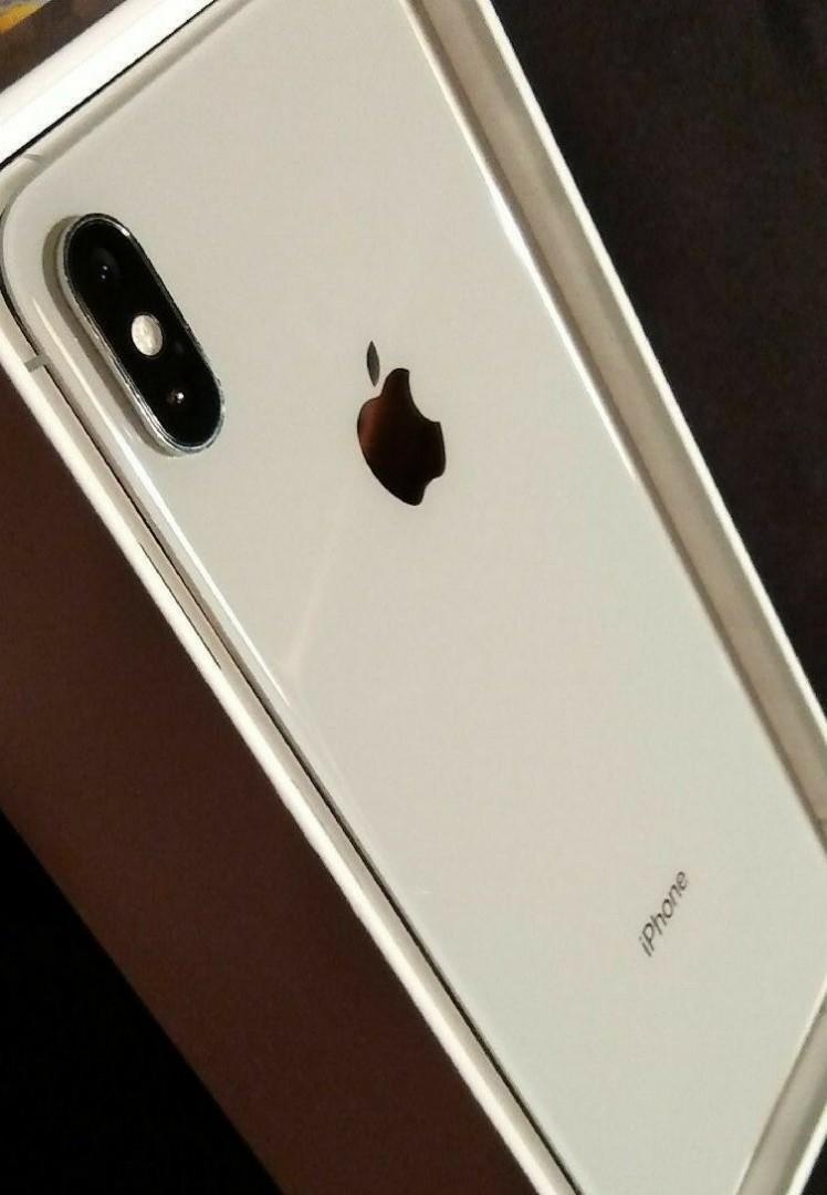 Apple iPhone XS Max - 256GB - Silver (Unlocked) A1921 (CDMA + GSM) BNIB