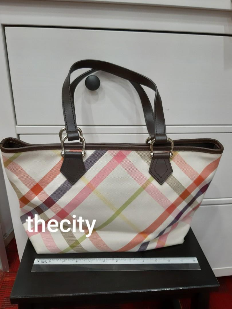 AUTHENTIC BURBERRY SHOULDER TOTE BAG - CLEAN INTERIOR,  VERY GOOD CONDITION OVERALL- (BURBERRY CLASSIC CHECKERED DESIGN SHOULDER TOTES NOW RETAIL AROUND RM 6000+