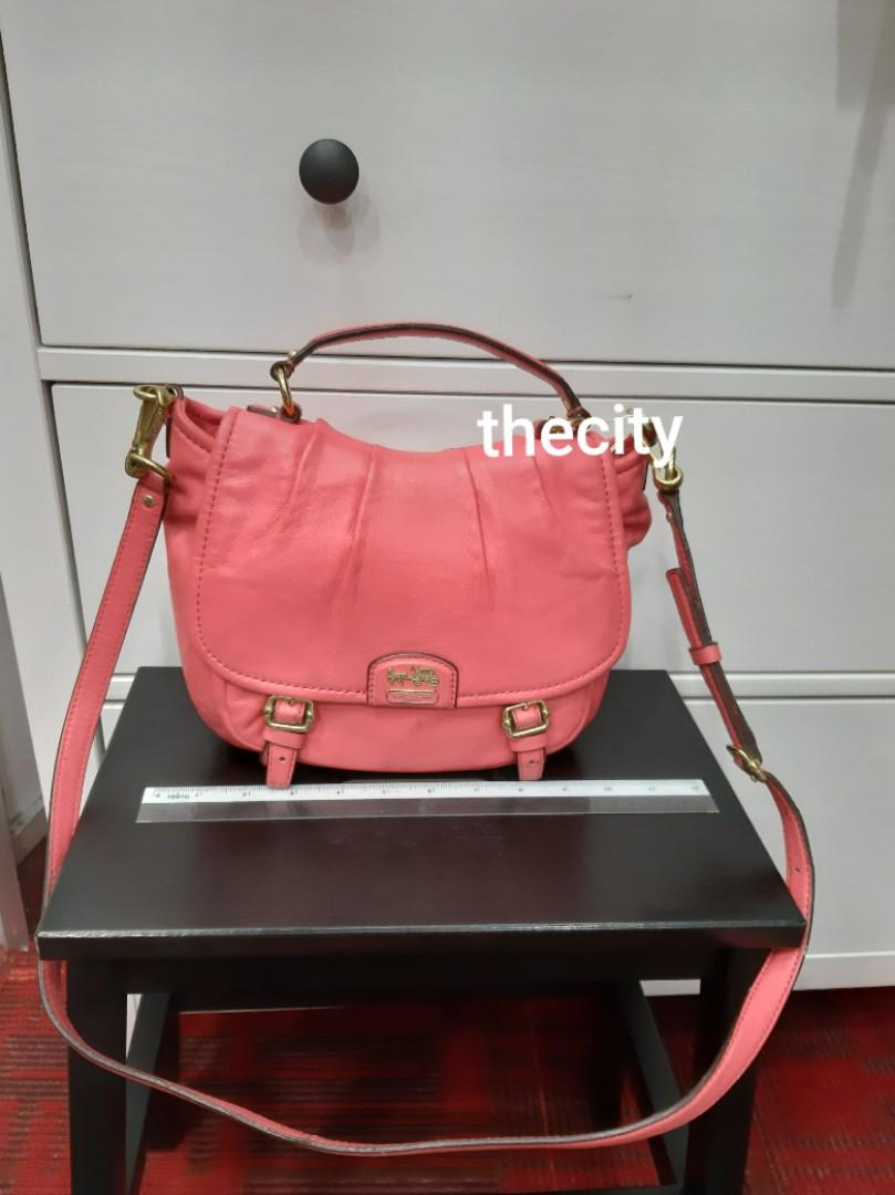 AUTHENTIC COACH LEATHER TOTE, COMES WITH ITS ORIGINAL LONG CROSSBODY SLING STRAP - OVERALL IN VERY GOOD CONDITION,  CLEAN INTERIOR - (BOUGHT NEARLY 3000+)