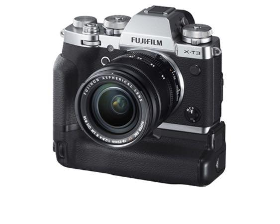 Fuji Xt3 with battery grip, leather case, hand grip, with 1 year warranty left, till Sep 2020, silver color