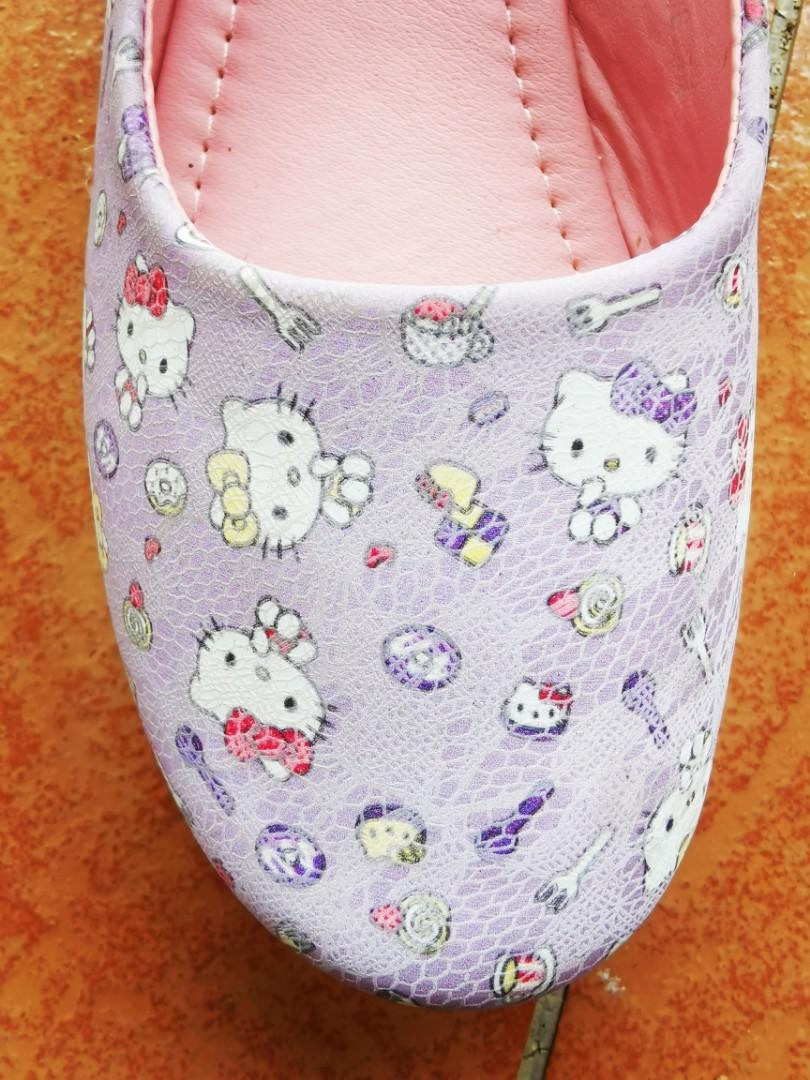 Hello kitty shoes size 31