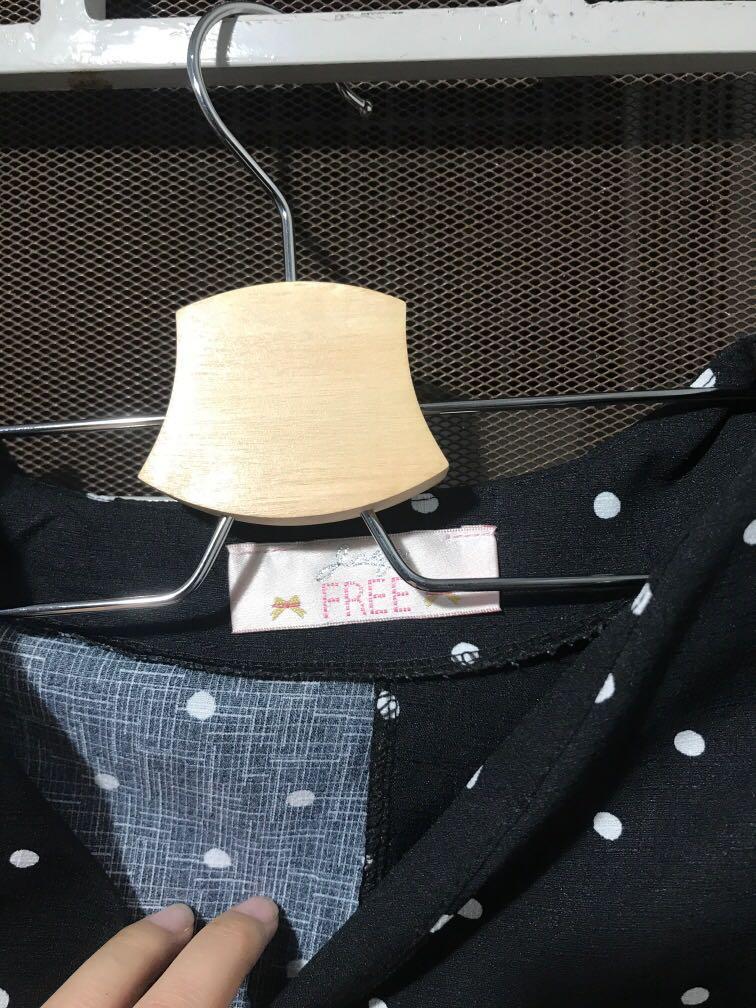 Polkadot crop blouse
