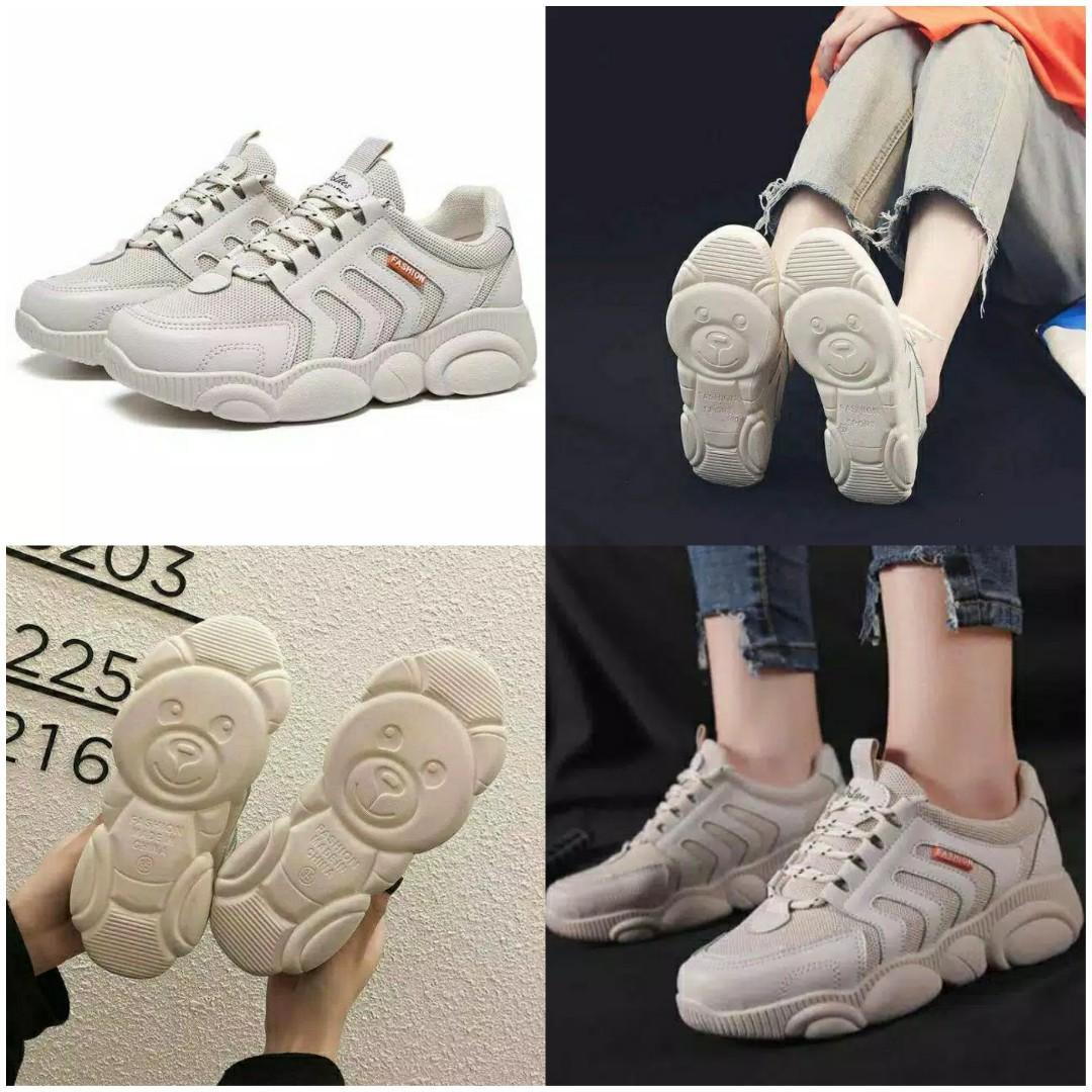 Sepatu skechers import