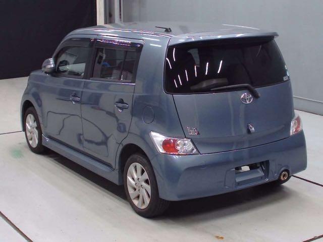 TOYOTA BB 2010