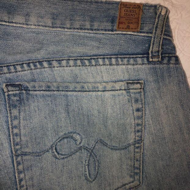 VINTAGE 70s GUESS LIGHT WASH LOW WAISTED/RISE FLARE JEANS SIZE 10-12🔥