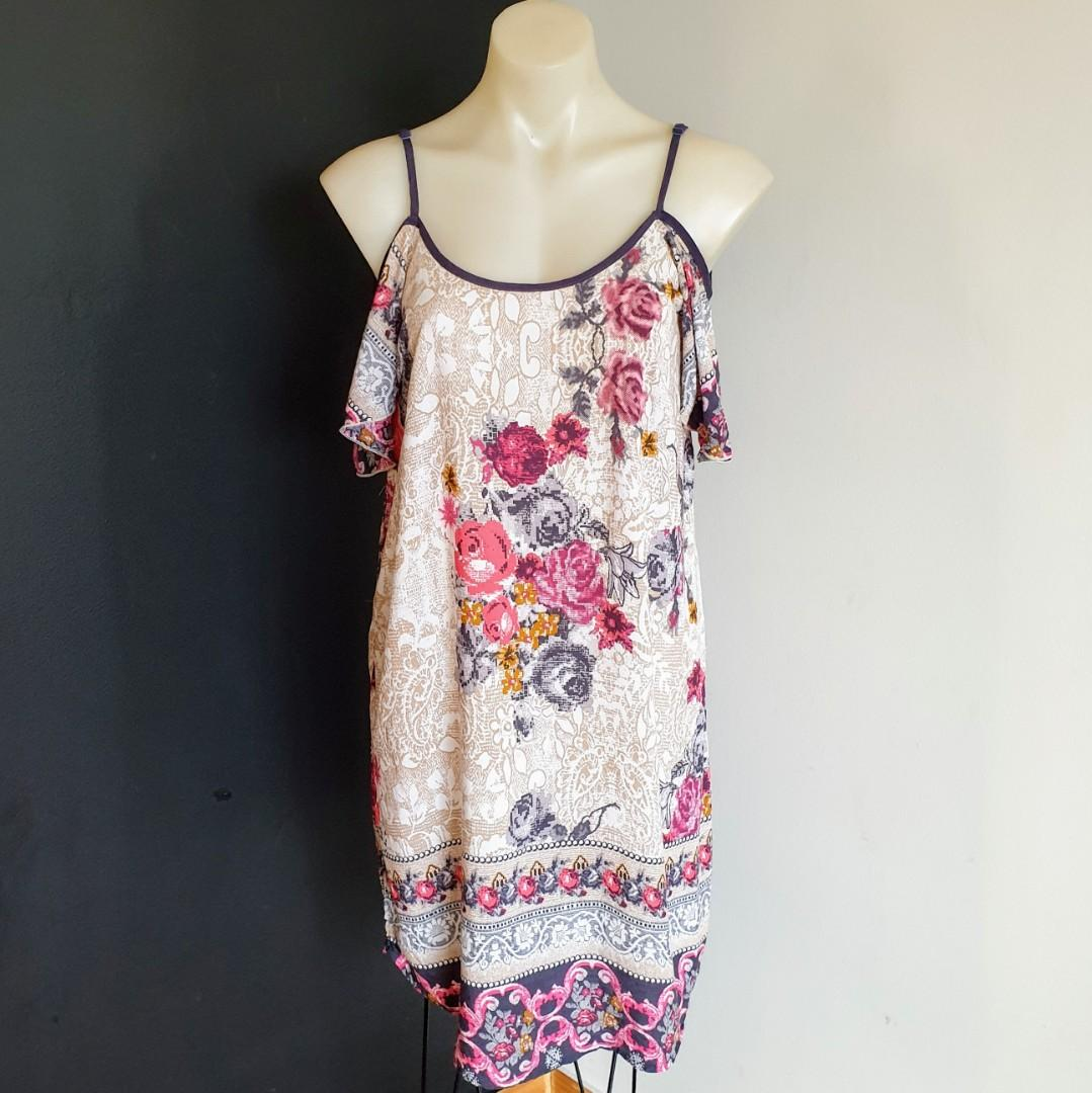 Women's size 10 'ANGEL BIBA' Gorgeous floral print cold shoulder dress - AS NEW