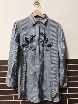 日系花藝刺繡 藍白直條紋棉質襯衫