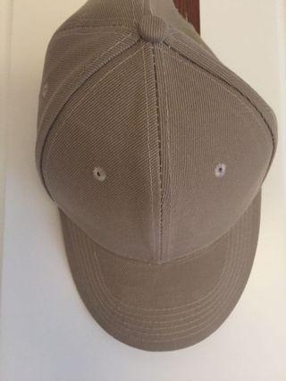 奶茶色帽子
