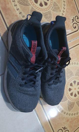 Sepatu Adidas guesstar running