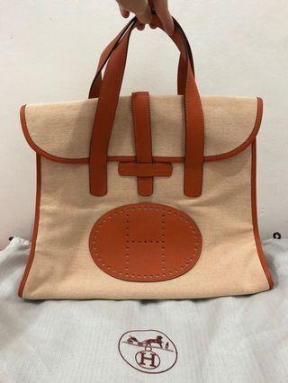 preloved - hermes canvas bag ori leather 32x38cm comes with dustbag.
