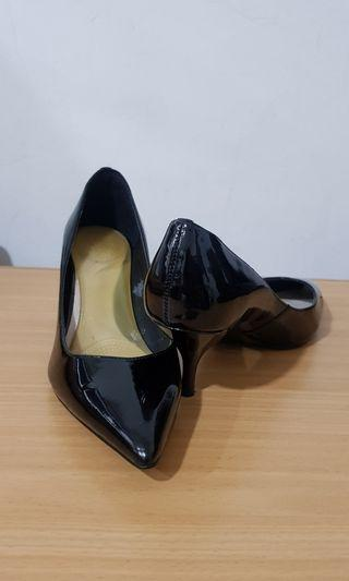Charles and Keith shoes Size 35
