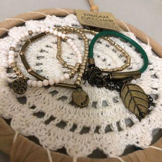 穿搭手鏈/手環/手飾 (共四條)綠色森林